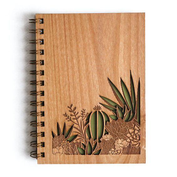 Cuadernos de madera reciclada, la magia del craft elevada al cuadrado.