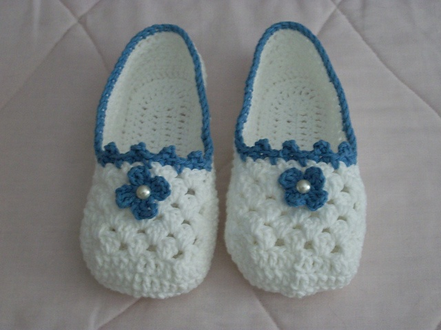Free Crochet Patterns Lily Sugar Cream : Ravelry: Project Gallery for Slippers pattern by Lily ...