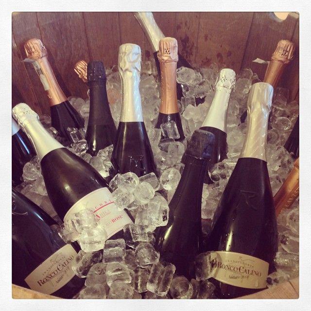 "@Ronco Calino Franciacorta's photo: """"Aspettando il #FestivalFranciacorta"" a #dispensapanievini. Buona degustazione! #franciacorta #vino #wine #winetasting #food #slowfood #sparklingwine #italianwine #italy #italia #brescia #instapic #instagood #instaitalia #instawine #picoftheday #photooftheday #popularpic #igers #tagstagram #tag #winelovers #lovewine #roncocalino #bellavista #villafranciacorta #instalove"""