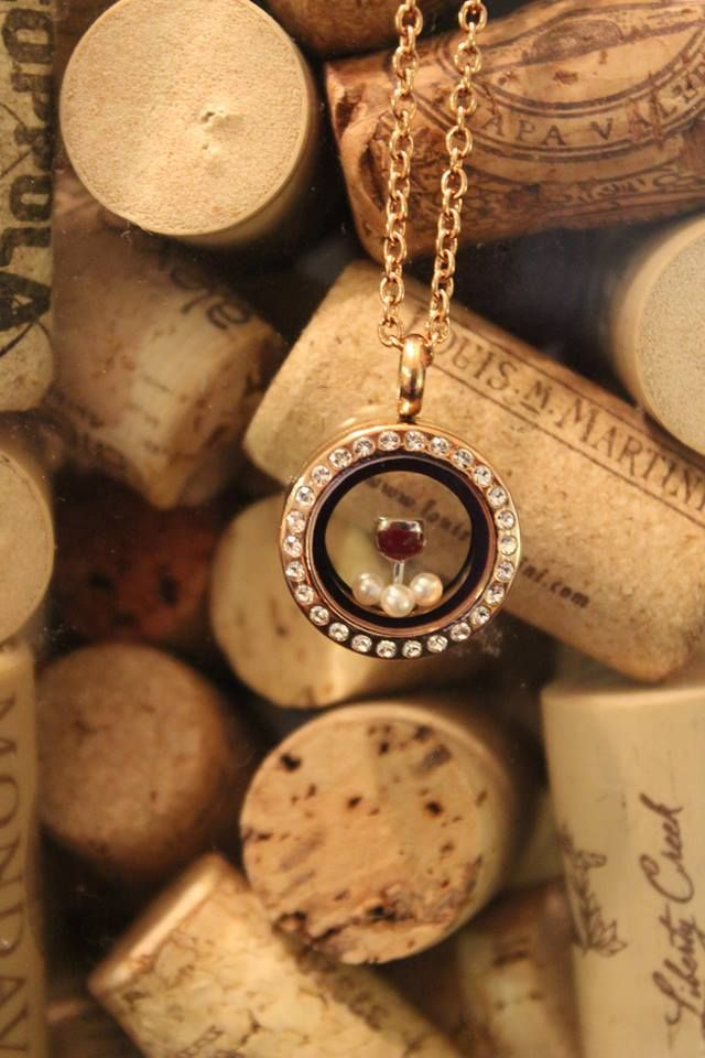 For the Wine lovers!!! #wine #rosegold #minilocket #southhilldesigns #workathome #vinyard #teamcharmedmemories