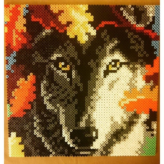Wolf hama beads by andertxu.c