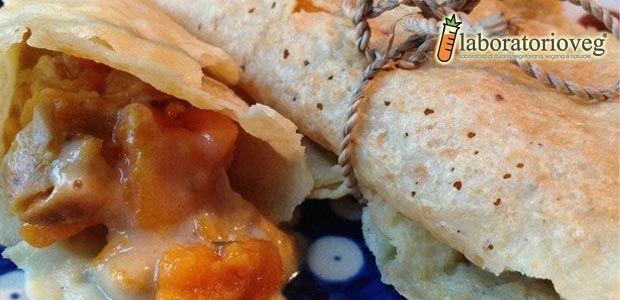 Crepes di farina di ceci ripiene di zucca gialla, porri e besciamella veg