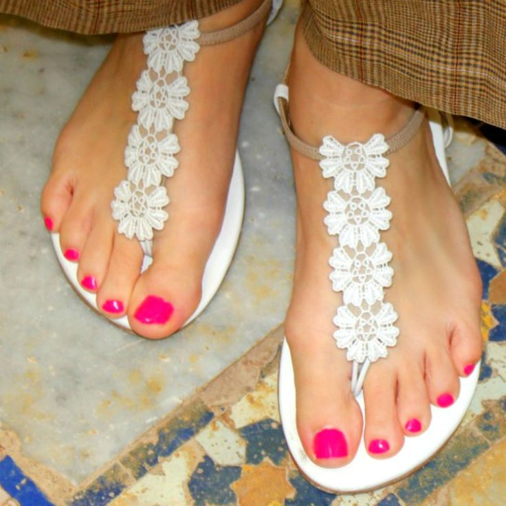 Our Carmina Uppers for our interchangeable sandals handmade in London #girlswhotravel #slinksdesign #travelbloggers