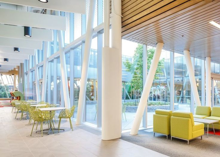 Vaughan public library - Vaughan Public Library, a library located in the suburbs north of Toronto in Canada, is the beneficiary of a brand new aluminum and glass structure...