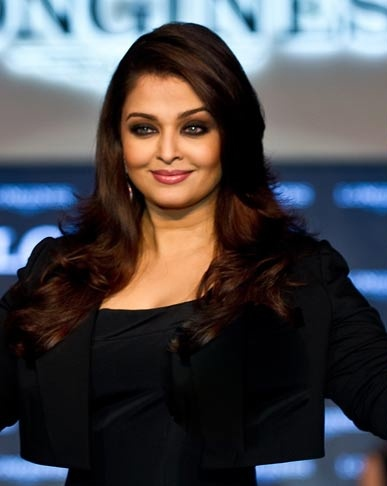 Aishwarya gets French honour http://ndtv.in/RwMWgO