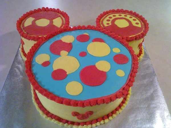 I think I might make this myself for a Mickey Mouse Clubhouse Birthday Party.