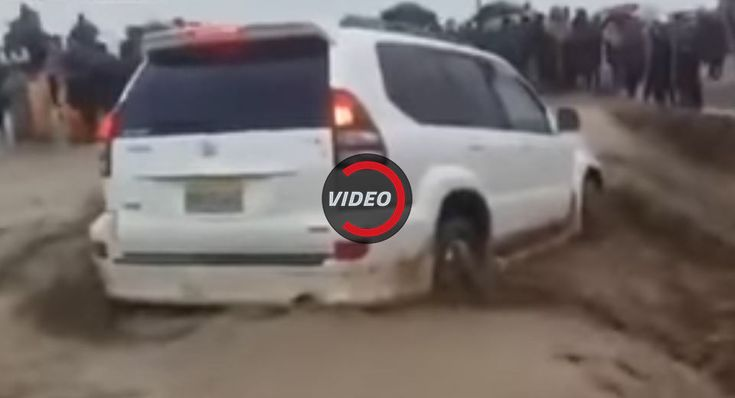 Toyota Land Cruiser Swallowed By Horrifying Flash Flood In Pakistan