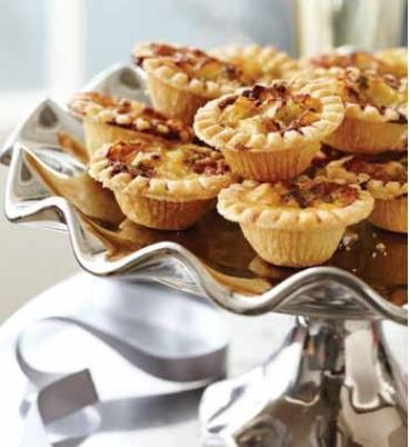 Leek, apple and Roquefort mini tarts