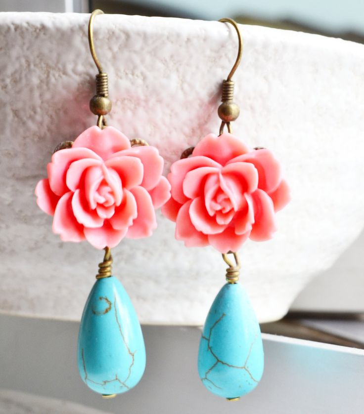 Antique Brass Flower Dangle Earrings.Turquoise and Resin Flower-coral pink, Flower Earrings, Nostalgic Romantic Wedding, Victorian Vintage