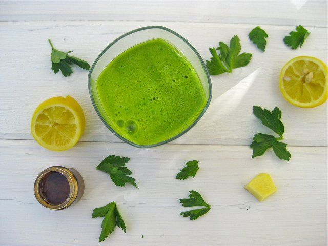 """Parsley Lemonade """"Allergies Be Gone"""" Alkaline Green JuiceJuicing can be powerful for relieving allergies. This alkaline parsley blend is one of the most powerful juice recipes for restoring health and balance."""