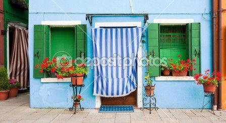 barevné domy burano, Benátky, Itálie — Stock obrázek #17420543
