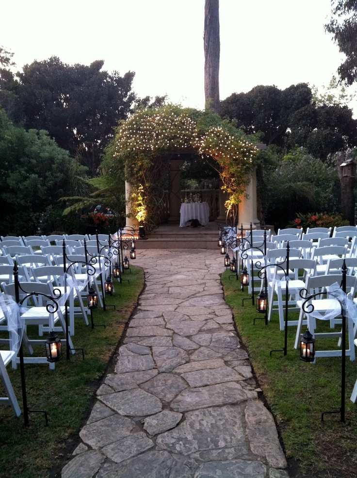 Twilight wedding in Rosé Garden