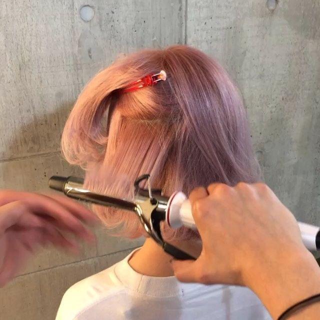 ピンクホワイト ✖️切りっぱなしボブ✂︎ 内巻き外ハネmixスタイル⭐️ スタイリング剤 ニゼルジェリー カールアイロン 26mm @shachu_hair  #shachu#hair#bob#pink#ヘアカラー#ヘアアレンジ#簡単アレンジ#ヘアスタイル