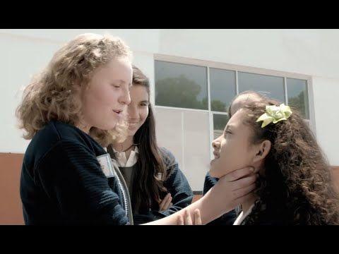 """Crea y aprende con Laura: """"El Sandwich de Mariana"""". Rompiendo la cadena del acoso escolar. Cortometraje"""