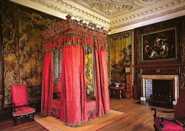 interior holyrood palace | The King's Bedchamber at Royal Palace of Holyroodhouse Edinburgh ...