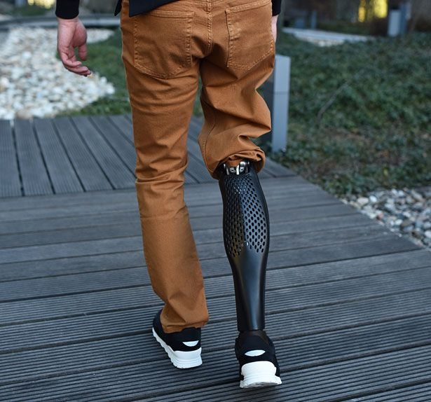 prothesis carbon fibre legs Do you know the history of prosthetic – the oldest known prosthetic leg prosthetics also started being made from lightweight materials such as carbon fiber.