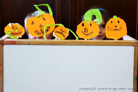 Five Little Pumpkins puppet show and printable poem