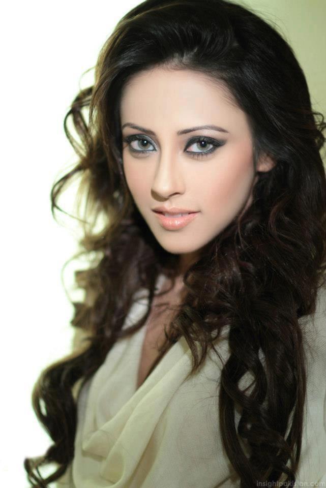 Pakistani Model and Actress Ainy Jaffri Photos | funmag.org