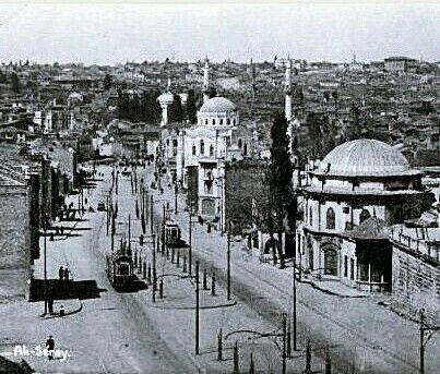 Aksaray - 1920 ler #birzamanlar #istanlook #nostalji #Türkiye #turkishfollowers #Turkish  #instaturk  #turkeystagram #turkinstagram  #istanlook #vintageistanbul  #oldpics #instacool #instapicture  #oldphoto #instapic  #constantinople #istanbullife #istanbulcity