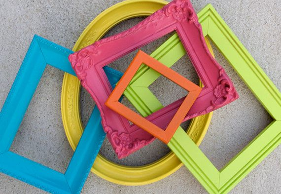 cute frames... love that you all u need is a variety of frames and colours of spray paint