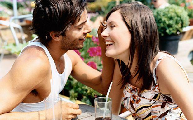 7 jel, ami arra utal, hogy tetszel a pasinak - https://www.hirmagazin.eu/7-jel-ami-arra-utal-hogy-tetszel-a-pasinak