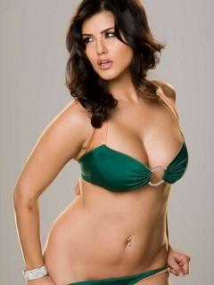 Who is zarine khan dating 8