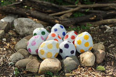 Incredible Dinosaur Party blog post. Instead of a pinata, she made paper mache dino eggs for each kid to break open!