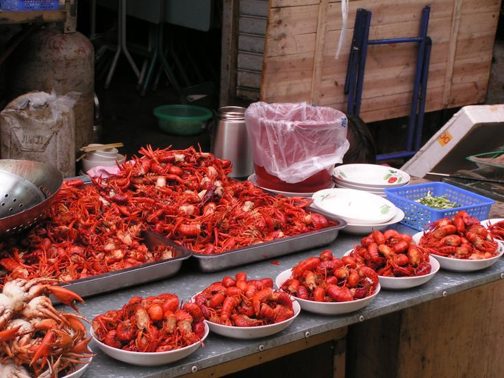Crawfish for sale in Changsha.