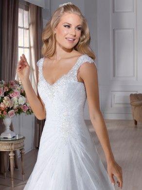 Descubra mais sobre as coleções que continuam encantando todas as noivas que passam pela Nova Noiva:jessie01  - Coleção de vestidos de noiva J´adore