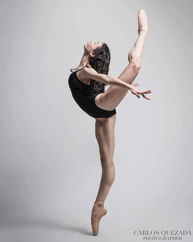 балерины и гимнастки долго лизал