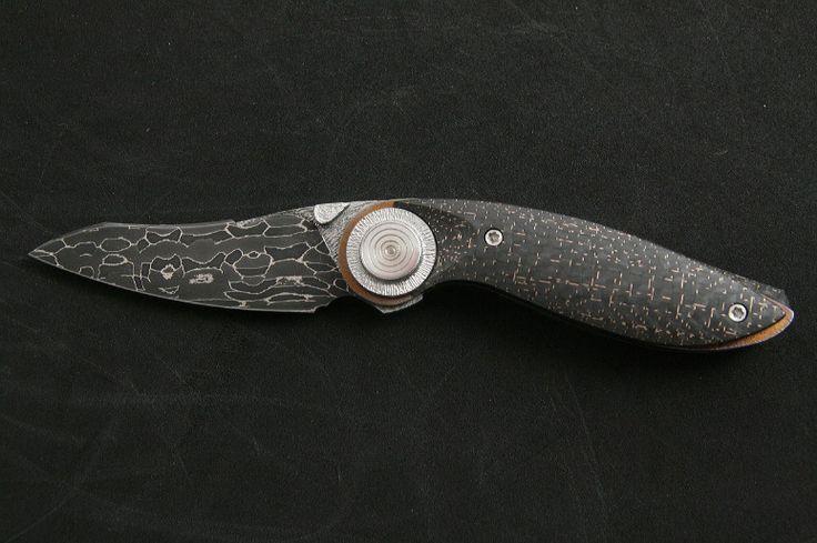 folder knife | lightning strike carbon fiber | damascus | Broadwell Studios