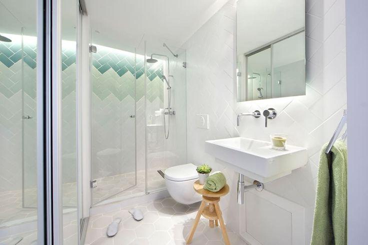 Descubra fotos de Casas de banho modernas por Egue y Seta. Encontre em fotos as melhores ideias e inspirações para criar a sua casa perfeita.