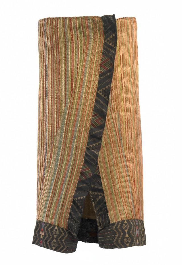 Object: Kaitaka paepaeroa (cloak with taniko borders and vertical aho, weft…