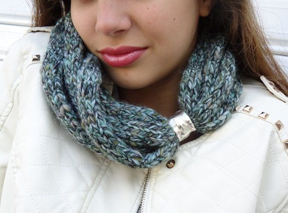 Mint  scarf Scarf in soft wheat Hand knitt warmer by PopisBOUTIQUE