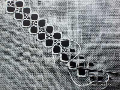 Lefkara del cordón del bordado por Androulla Hadjiyiasemi