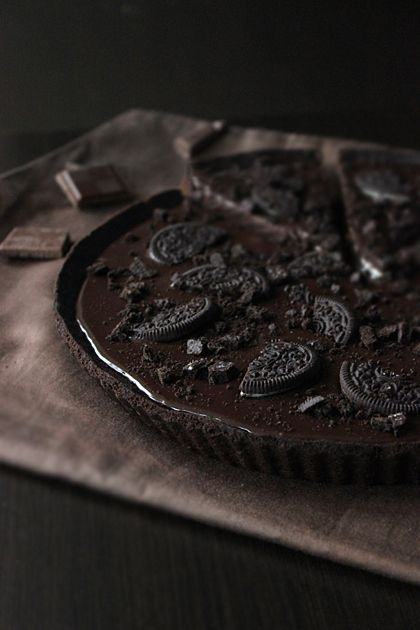 Oreo Chocolate Tart. #food... im trying to restrain myself from grabbing the computer screen and sucking on it trying to get the cookie out O.O