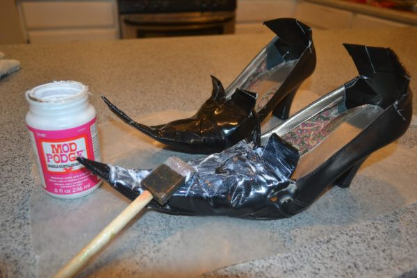 Diy Witch Shoes That Are Wickedly Cute For Halloween Witch Shoes Witch Diy Witch Costume Diy