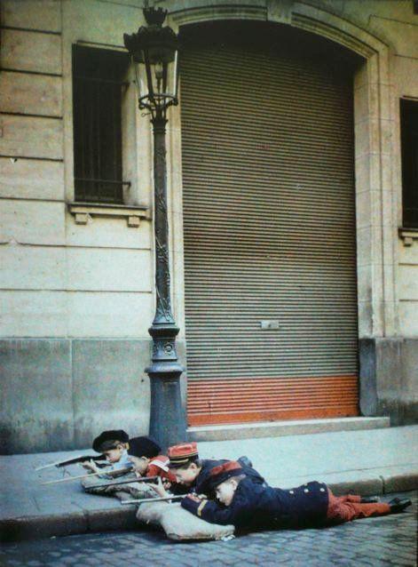 Les autochromes parisiens de Léon Gimpel leon gimpel grenata armee enfant autochrome 05 photo histoire featured art