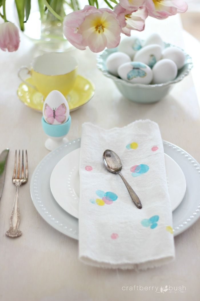 Craftberry Bush | Carrot stamped polka dot Easter napkins DIY | http://www.craftberrybush.com