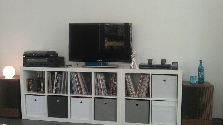 tv board inkl lp 39 s ikea expedit kallax wohnen. Black Bedroom Furniture Sets. Home Design Ideas