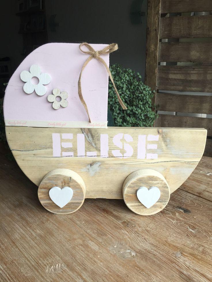 Wieg steigerhout #geboortebord #kinderwagen Kraamkado #kraamcadeau #baby #babykado #geboortekado #babykamer #babyshower op www.hummelkado.nl