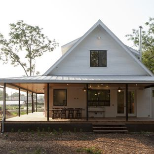 Tips From The Experts Modern Farmhouse Exterior House