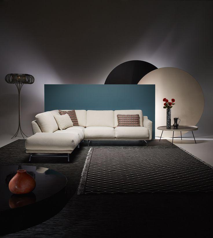 LEOLUX / hoekbank AZZURO  fotograaf: rene van der hulst concept & styling: isabel croon & jose martens Lamp Donut / www.forloversofinterior.com