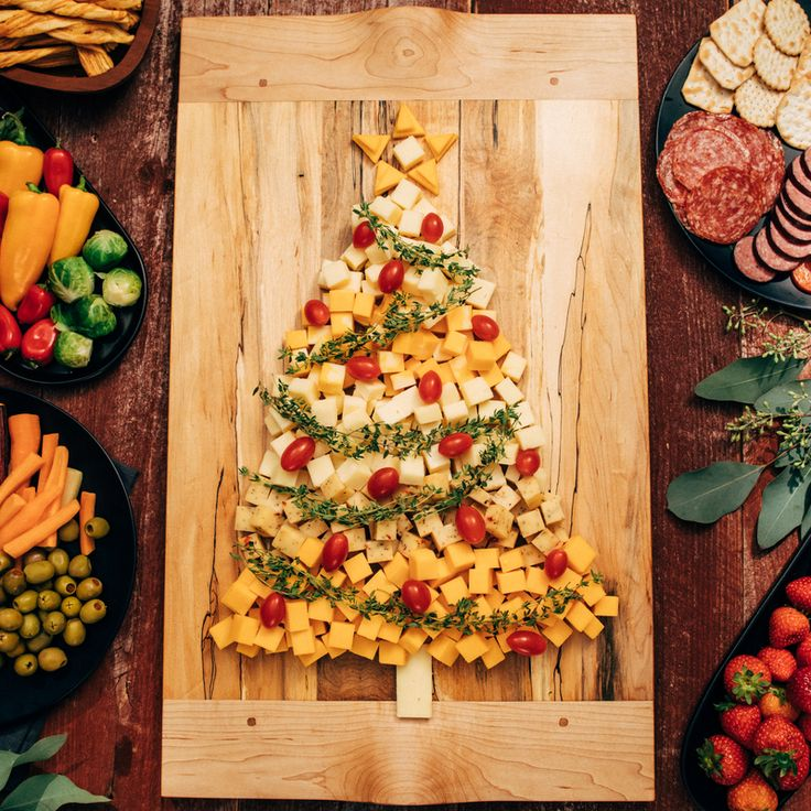 Have a holiday party coming up? Bring this super easy and fun Christmas cheese plate featuring your favorite Cabot cheeses. Check it out!