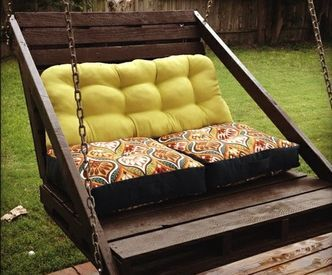 DIY Pallet Backyard Swing Made for Two People via http://diypallets.com