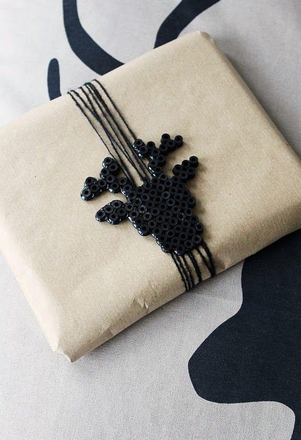 Tinkas Welt: Weihnachtliches(Einpacken) mit Bügelperlen