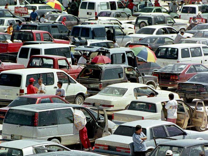 Buscarán orientar a mexicanos sobre importación de autos usados