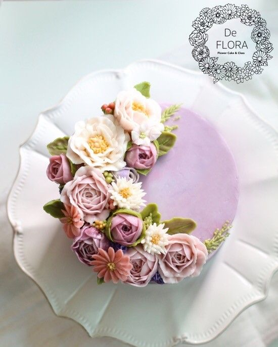 입속의 꽃 디플로라 케익 위에도 봄이 왔어요. 플라워케이크가 얼마나 더 아름답고 다양함을 보여줄 수 있...