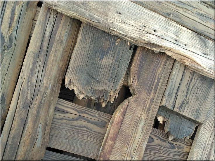 Loft falburkolat, antik deszkák