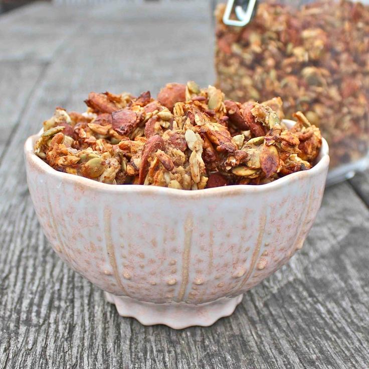 Banana & almond granola clusters